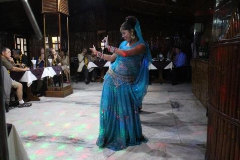 Pre-dinner dancing - her hips don't lie